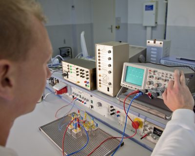 Staatlich geprüfte/r TechnikerIn für Mechatronik